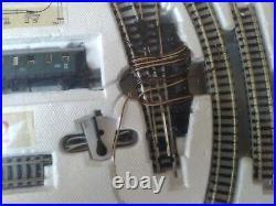 FLEISCHMANN Piccolo 9372 N Gauge Train Set in Box with Engine Cars Track Switch +