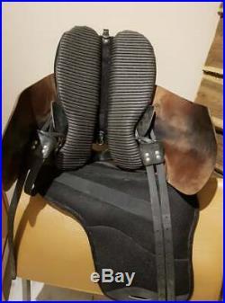 Ghost Treeless Saddle Roma SizePiccolo